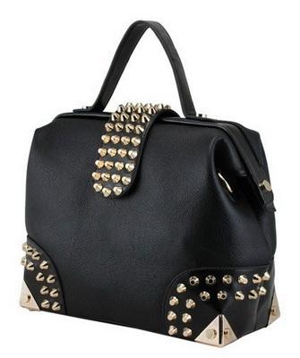 118f5347177a Не менее эффектно можно украсить кожаную сумку как с помощью заклепок, так  и декоративных шипов и цепочек. Для этого лучше всего подойдут готовые  ленты с ...