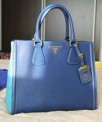 e277a7c8bb2d Этот метод взяли на вооружение большинство именитых брендов для  подтверждения подлинности своих моделей. Как отличить подделку сумки Prada?
