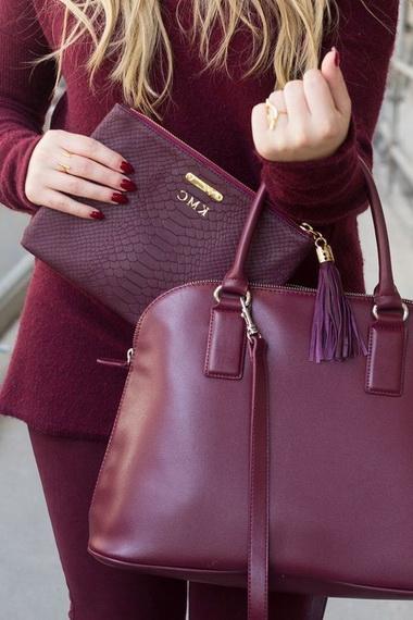 29427b5afeb7 Модные кожаные сумки, предложенные дизайнерами в этом году самодостаточны и  ярки, их сложно назвать простым дополнениями к нарядам.Но вместе с тем, ...