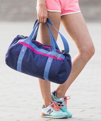 5cbd8fc1 Тщательно сушить и вытирать все предметы после тренировки – дополнительная  нагрузка, поэтому выбирая спортивную сумку для бассейна, отдайте  предпочтения ...
