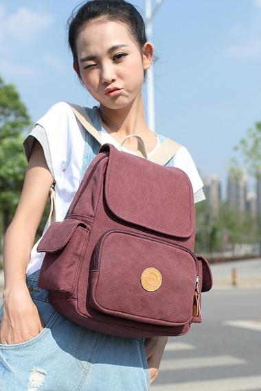 6498b544e94b Какие сумочки для девочек 8-12 лет стоит выбирать им в подарок? В первую  очередь, стоит прислушаться к мнению самого подростка и слегка  подкорректировать ...