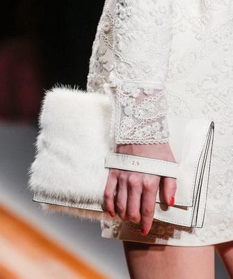 Женские клатчи 2018: фото стильных сумок-клатчей, модных в 2018 году, и авангардные модели