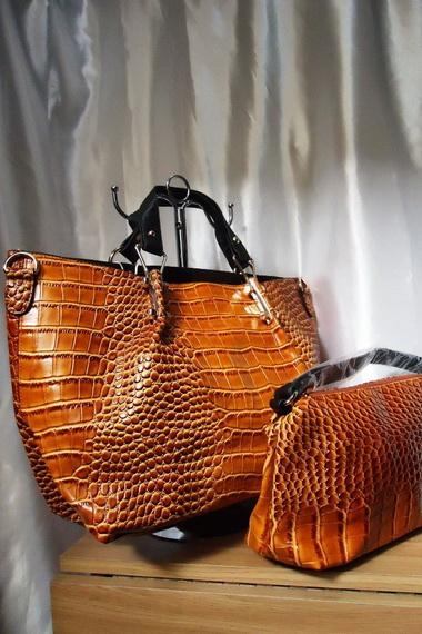 2fef50f9e8db Как найти брендовую сумку на «Алиэкспресс»: обзор с фото и видео