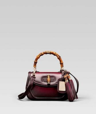 a3cf3718e1bc Сумки Gucci представляют собой сочетание роскоши, минимализма, удобства и  отменного качества. Бренд входит в список самых дорогих фирм сумок для  женщин, ...