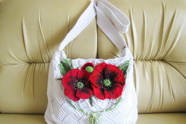 Как украсить сумочку для девочки своими руками